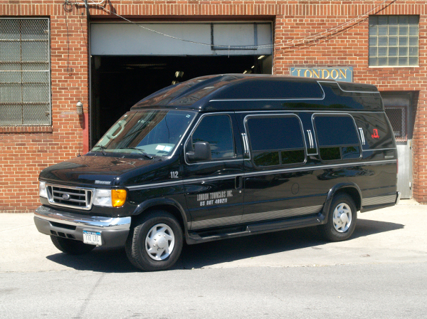 ford-executive-van